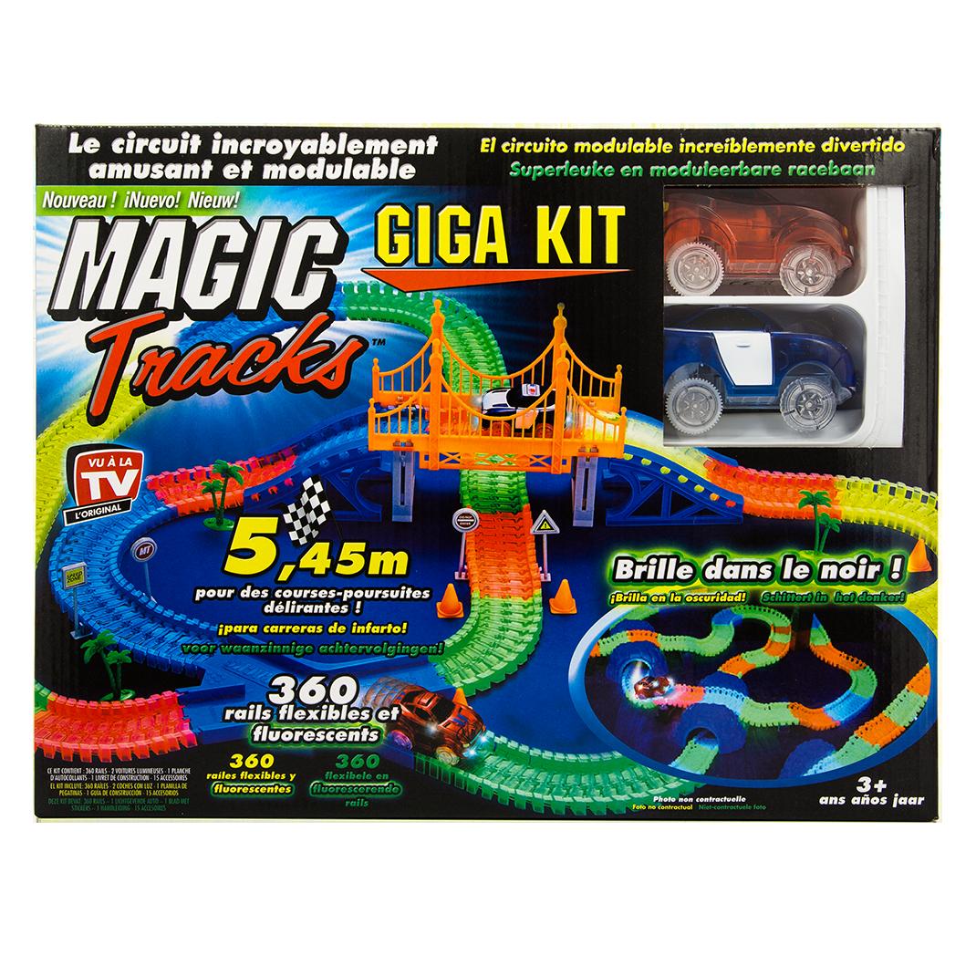 magic tracks giga set 2 voitures circuit de voitures best of shopping. Black Bedroom Furniture Sets. Home Design Ideas